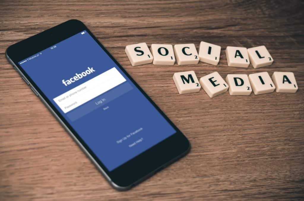 Facebook app and social media scrabble